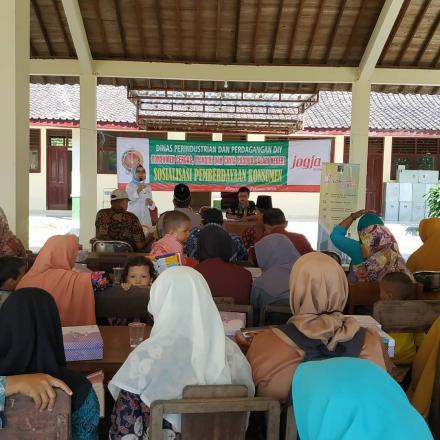 Sosialisasi Pemberdayaan Konsumen di Desa Wonolelo