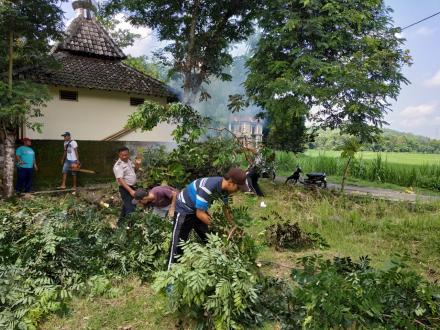 Kerjabakti Bersih Lingkungan Desa Wonolelo