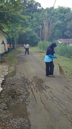 Jum'at Bersih, Upaya Memelihara Lingkungan Balai Desa Wonolelo