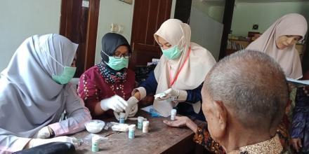 Cek Kesehatan Bagi Lansia Di Dusun Ploso
