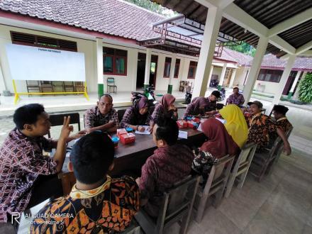 Monitoring dan Evaluasi Program Kerja Pemerintah Desa Wonolelo Oleh BPD